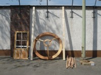 http://www.larsschmidt.org/files/gimgs/th-24_06yurt-at-uferstudios-berlin_larsschmidt.jpg